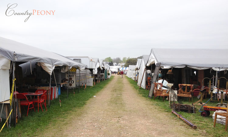 Round Top Antique Fair