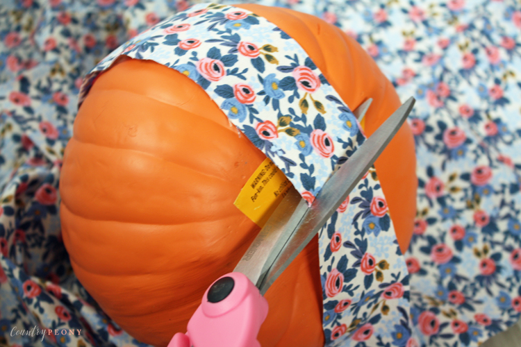 DIY Fall Fabric Pumpkins