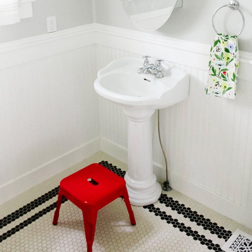 Kid's Bathroom Reveal