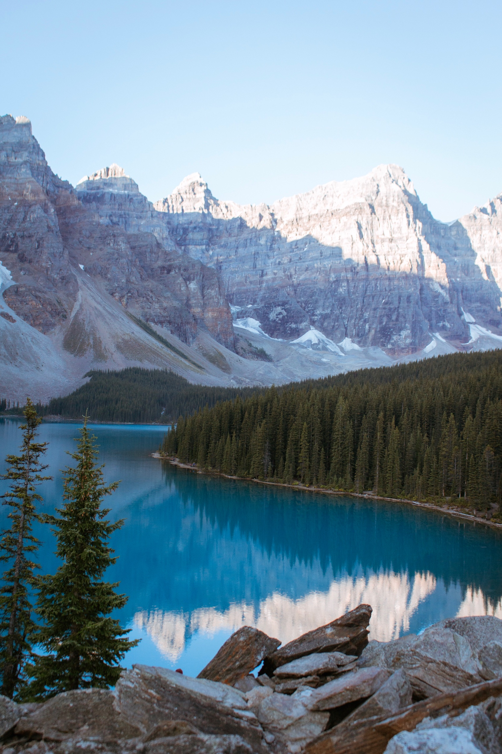 Lake Moraine in the morning