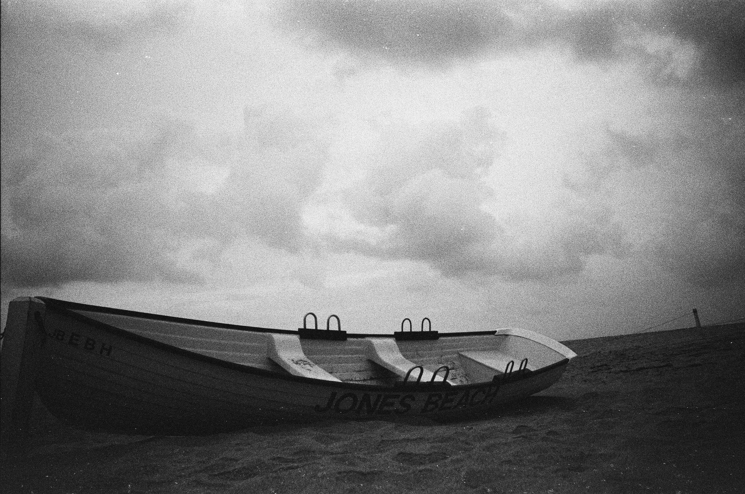 Boat_on_beach.jpg