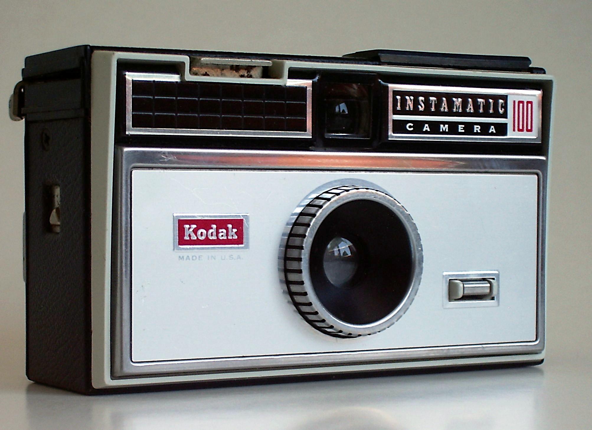 Kodak_Instamatic_100_1.jpg