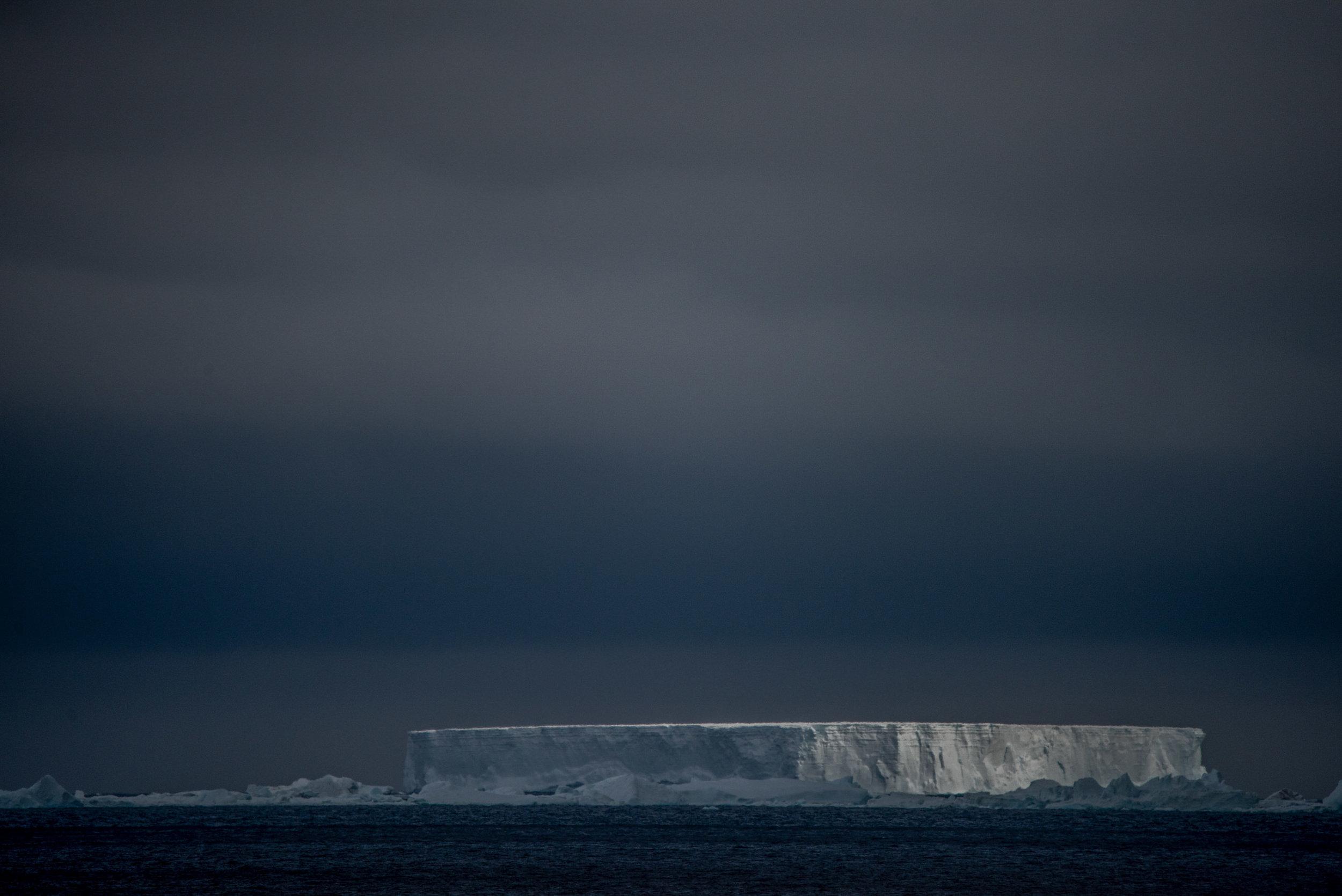 AntarcticaNovember2016-Landscape-0302.jpg