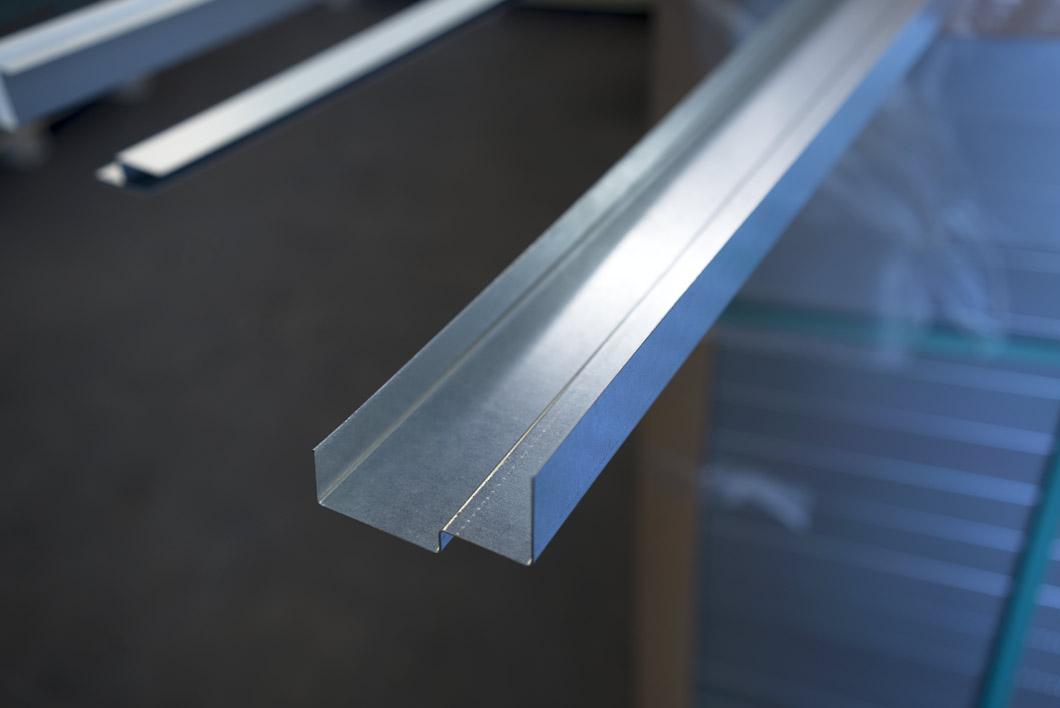 ohutlevytyöt ja särmäys tasokkailla materiaaleilla