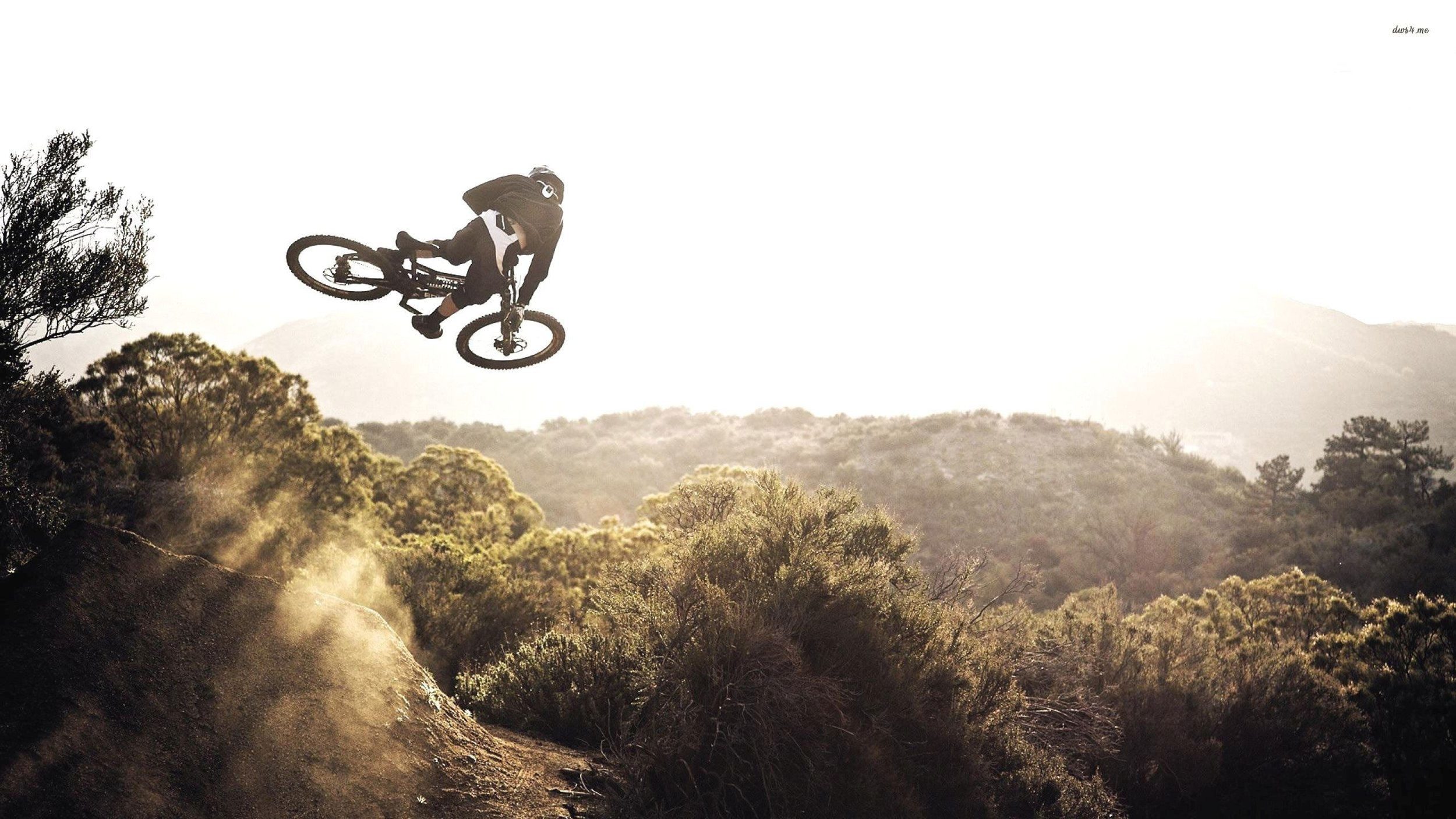 29593-mountain-biking-2560x1440-sport-wallpaper.jpg