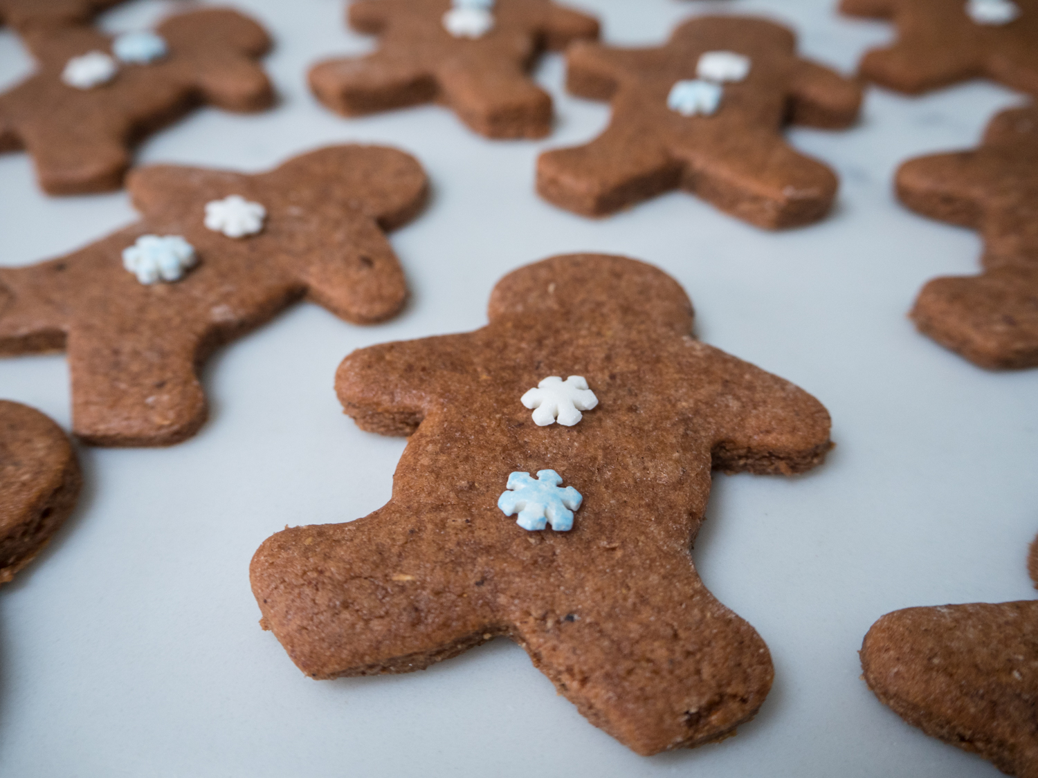 gingerbread men-270037.jpg