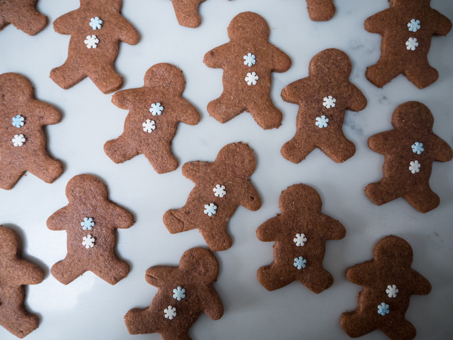 gingerbread men-270035.jpg