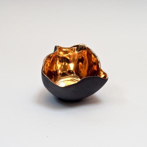 Penny_Little_Ceramics_Black_Porcelain_Gold_Lustre_Crumpled_Bowl_at_madebyhandonline_4_f461162e-e610-4bcd-b452-c43707adc87c_large.jpg
