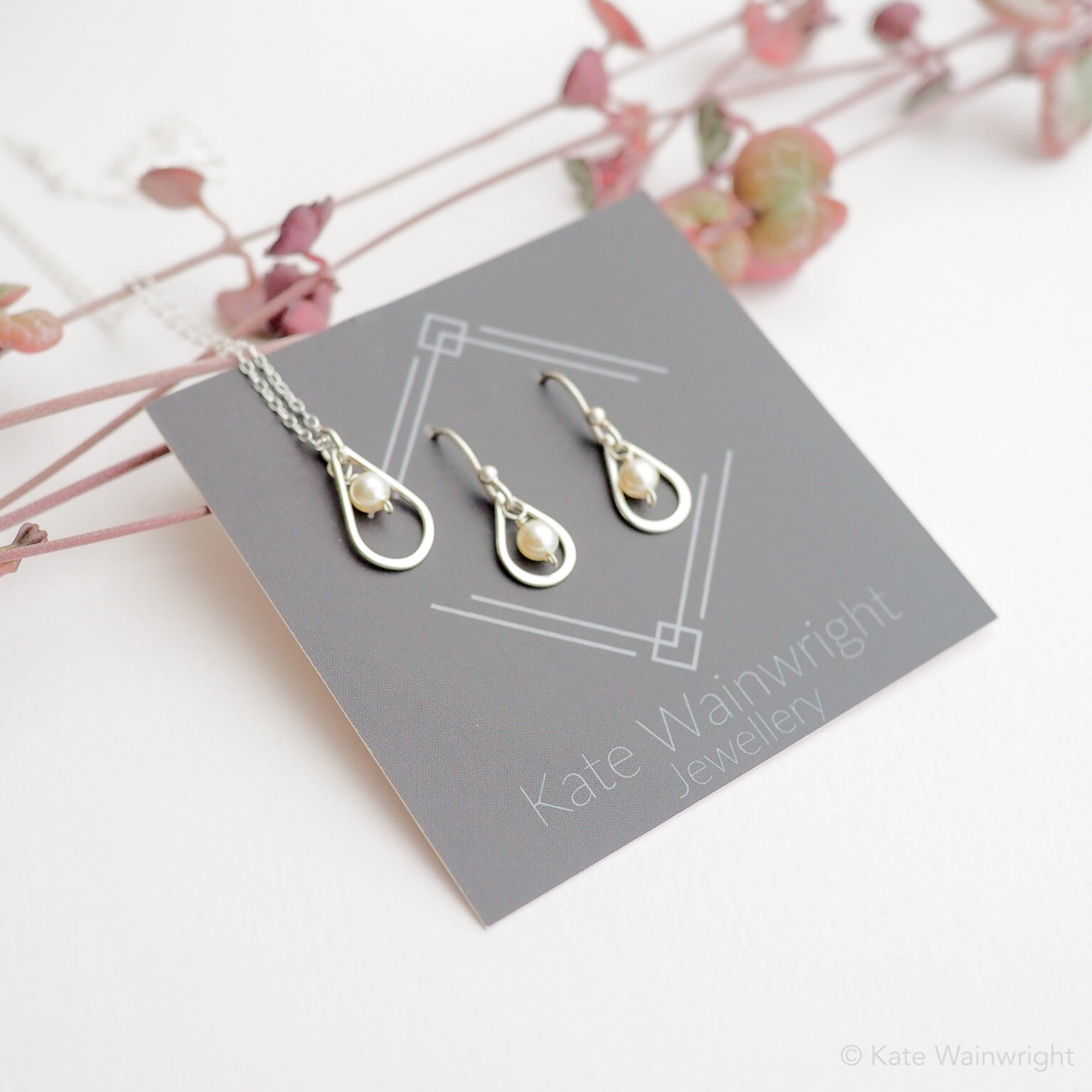 Adeline, pearl and silver wedding jewels