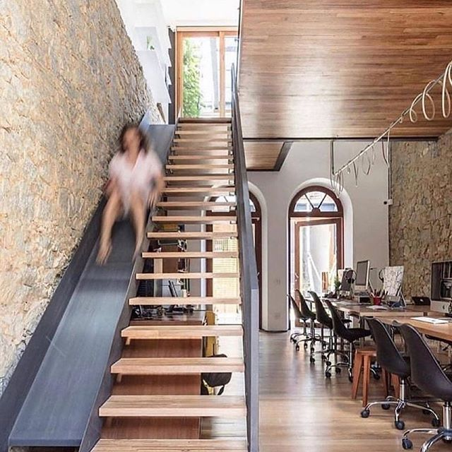 Friday feels! @erikaduarte_arquitetura employing native timbers and slides to bring warmth and energy to the workplace.  #workswelove . Architect | @erikaduarte_arquitetura . Our complete range is prefinished to achieve a furniture grade finish on any surface, as well as save you the time and money for onsite sanding and coating. Ask for a free sample to see the superior finish in hand! . . . #architecture_australia #australianarchitecture #timberliningboards #timberlining #modernarchitect #archilovers #house #timber #timberceiling #timberfeaturewall #timberdecor #themodernhouse #timberdesign