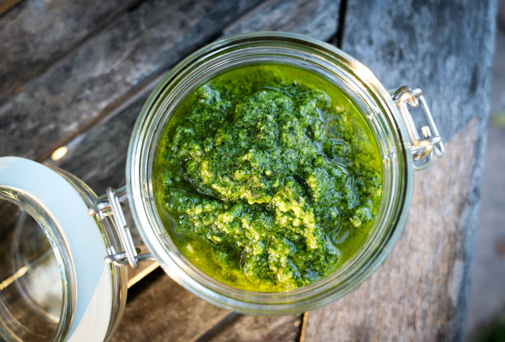 parsley_pesto_pine_nuts_lemon-1.jpg