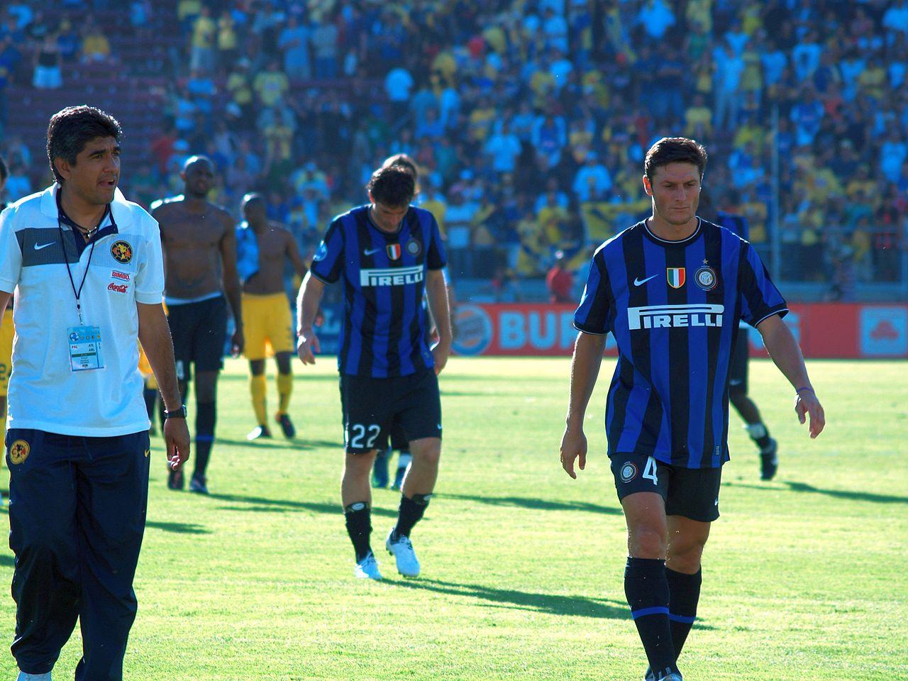 Club_América_v_Inter_Milan_-_2009_-_Javier_Zanetti.jpg