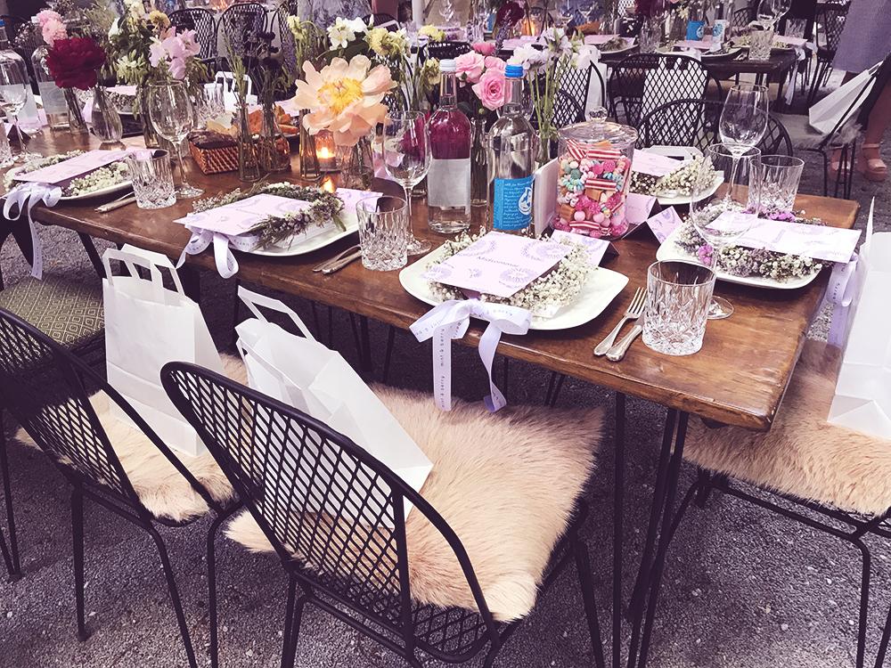 Blumen-Tisch_Deko_mintandberry.jpg