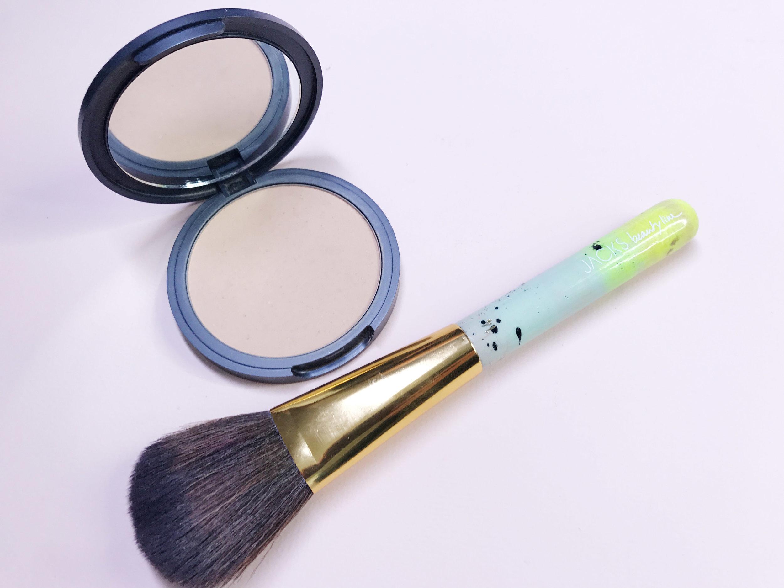 Mineral_pressed_Powder_Puder_Make-up_designory