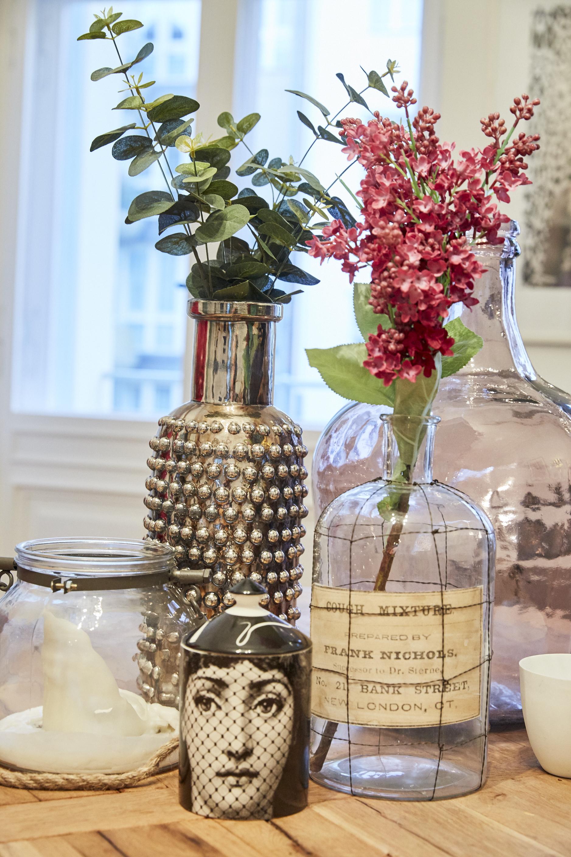 Fake Blumen mit Vasen vom Blumengroßmarkt