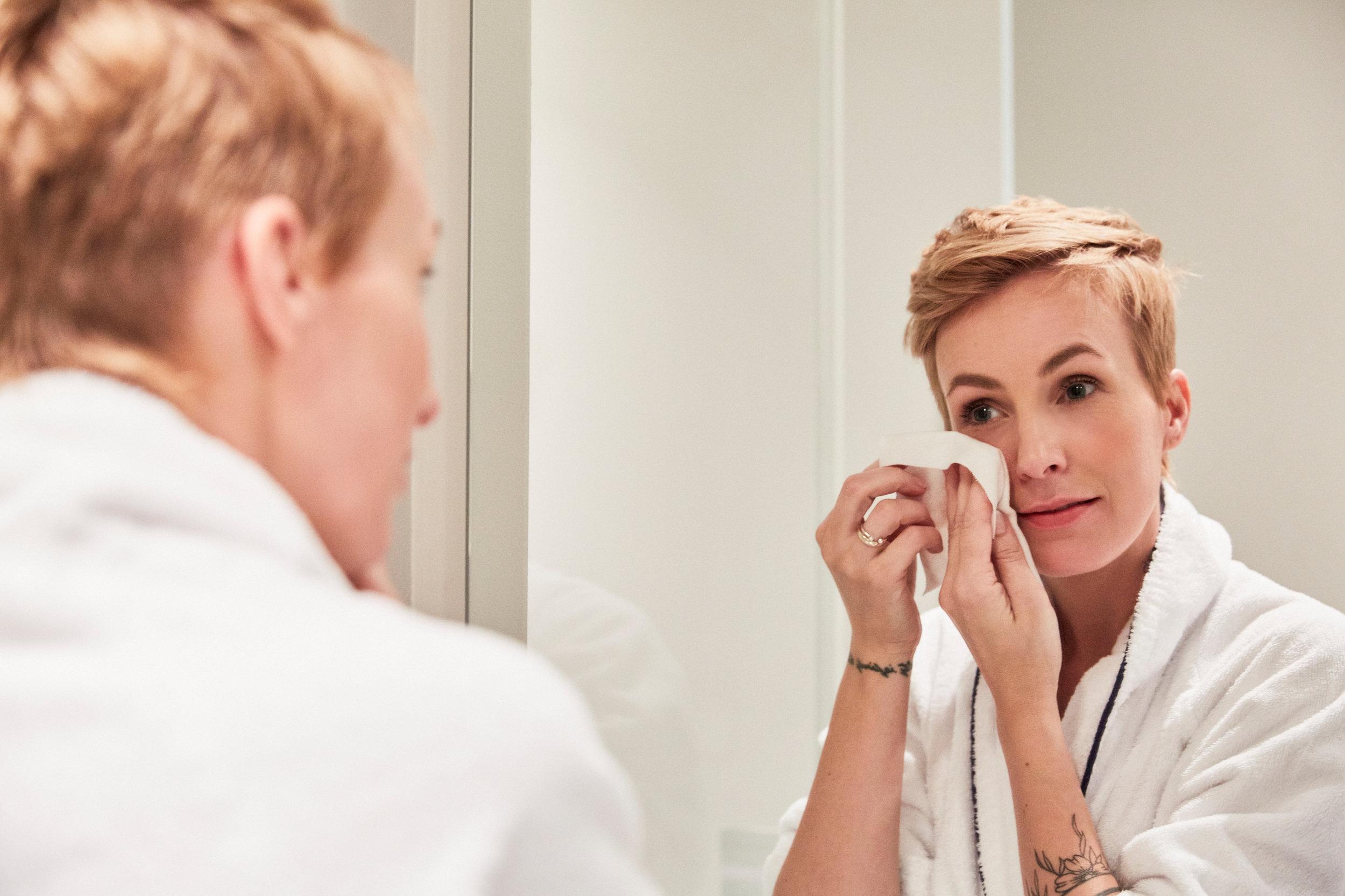 Vor einer Behandlung reinige ich mein Gesicht mit Filabé