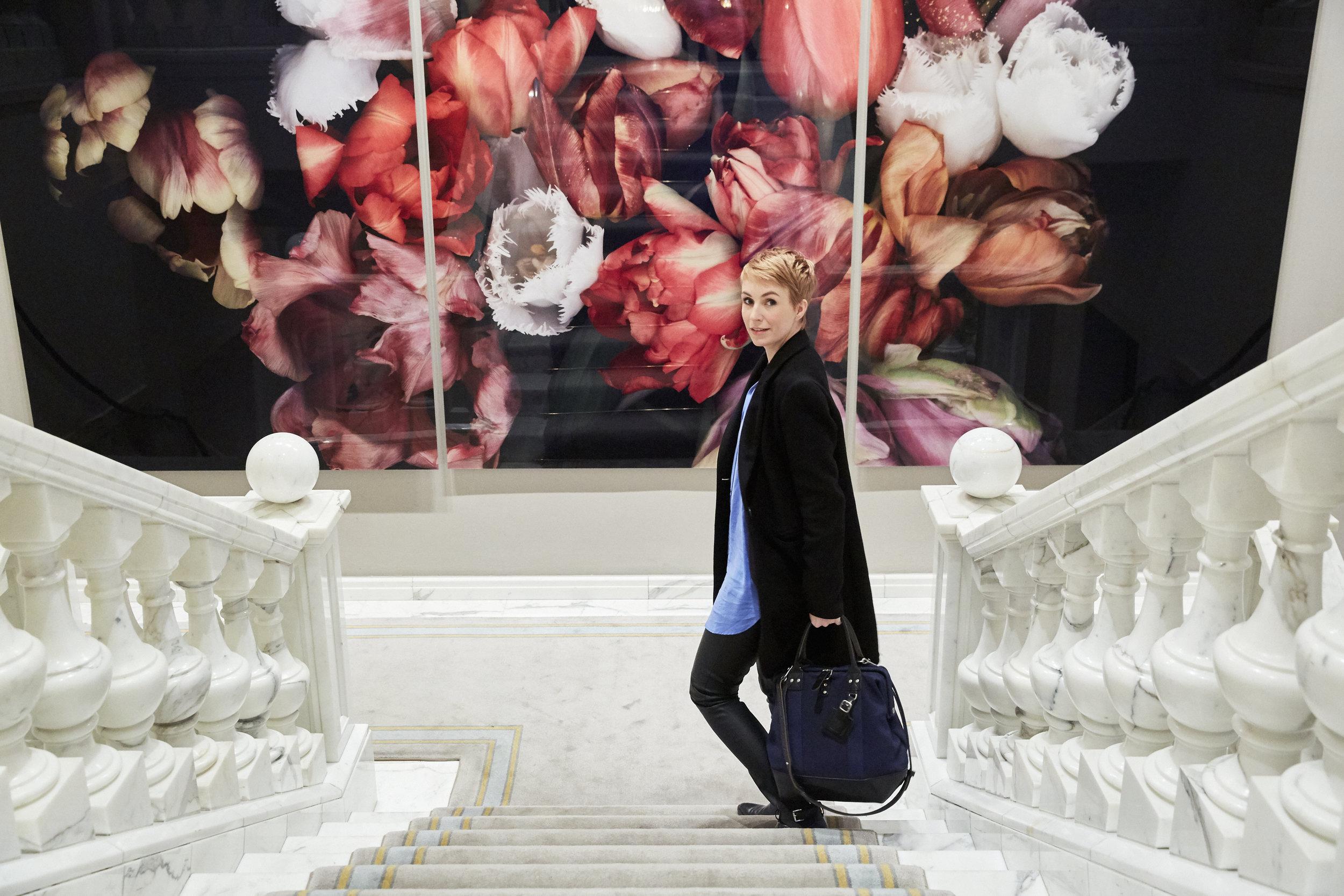 Viele Promis, Schauspieler und Blogger steigen während der Fashion Week im Hotel Adlon Kempinski in Berlin ab. Das neue Interior Design und das freundliche Personal lässt einen aber auch sofort wohlfühlen. Hier möchte man am liebsten einziehen.