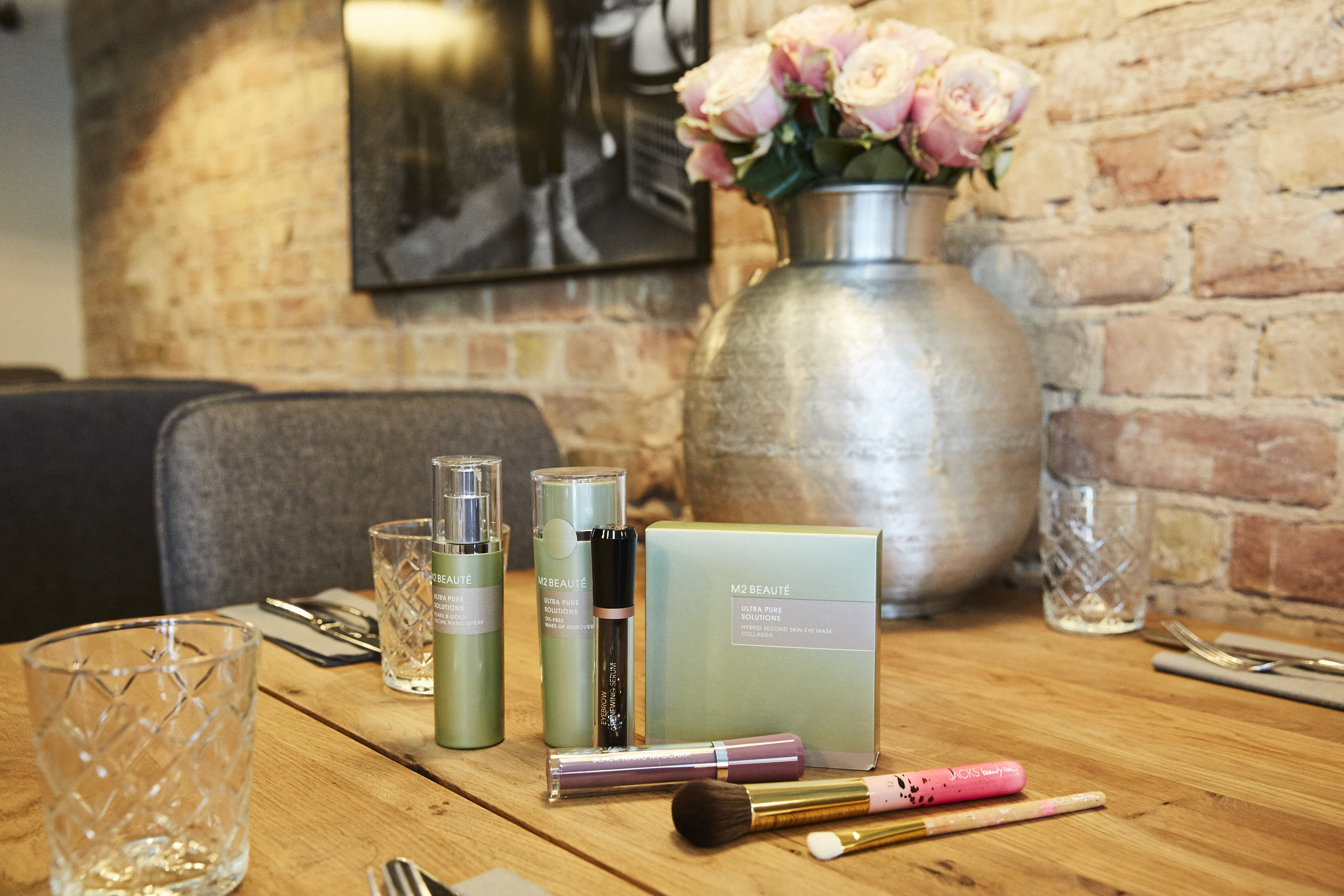 M2 BEAUTÉ Produkte mit JACKS beauty line Pinseln