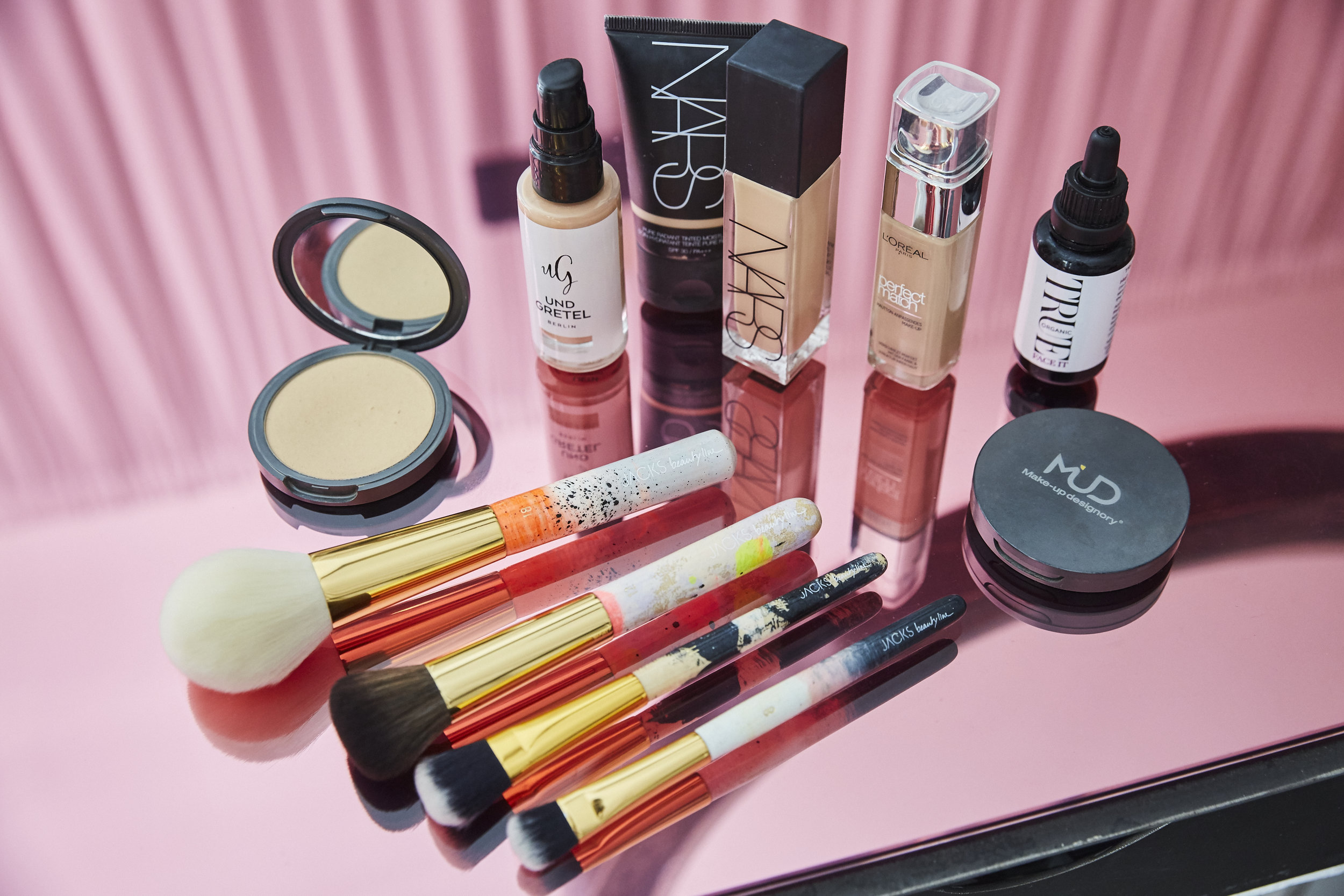 Meine Must-Haves fürs Make-up kannst du gleich hier unten shoppen!