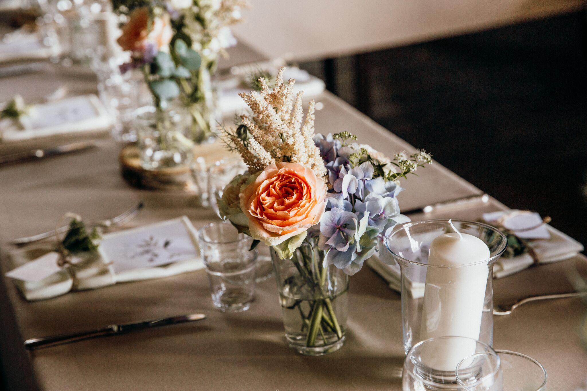 Hochzeitsdeko_Tisch.jpg