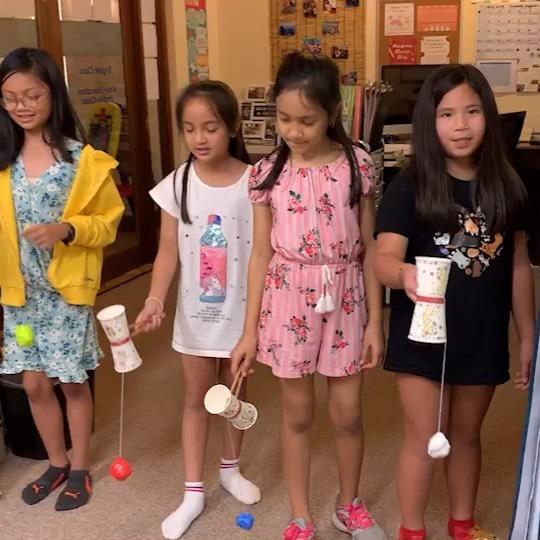 Team Kendama! 💪🏼 Our students made their own kendama today and kept on practicing... while practicing their Japanese too! Kyō mo ichinichi otsukaresama deshita ~ 🇯🇵 #japanesesummercamp #learnjapanese #nihongo #englishclubguam #guam