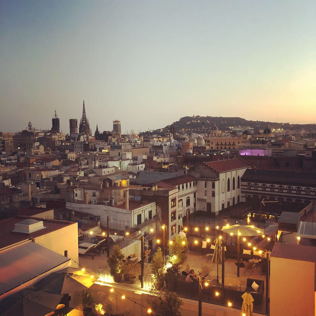 The amazing 360 view from the roof bar/swimming pool of the Yurbban hotel