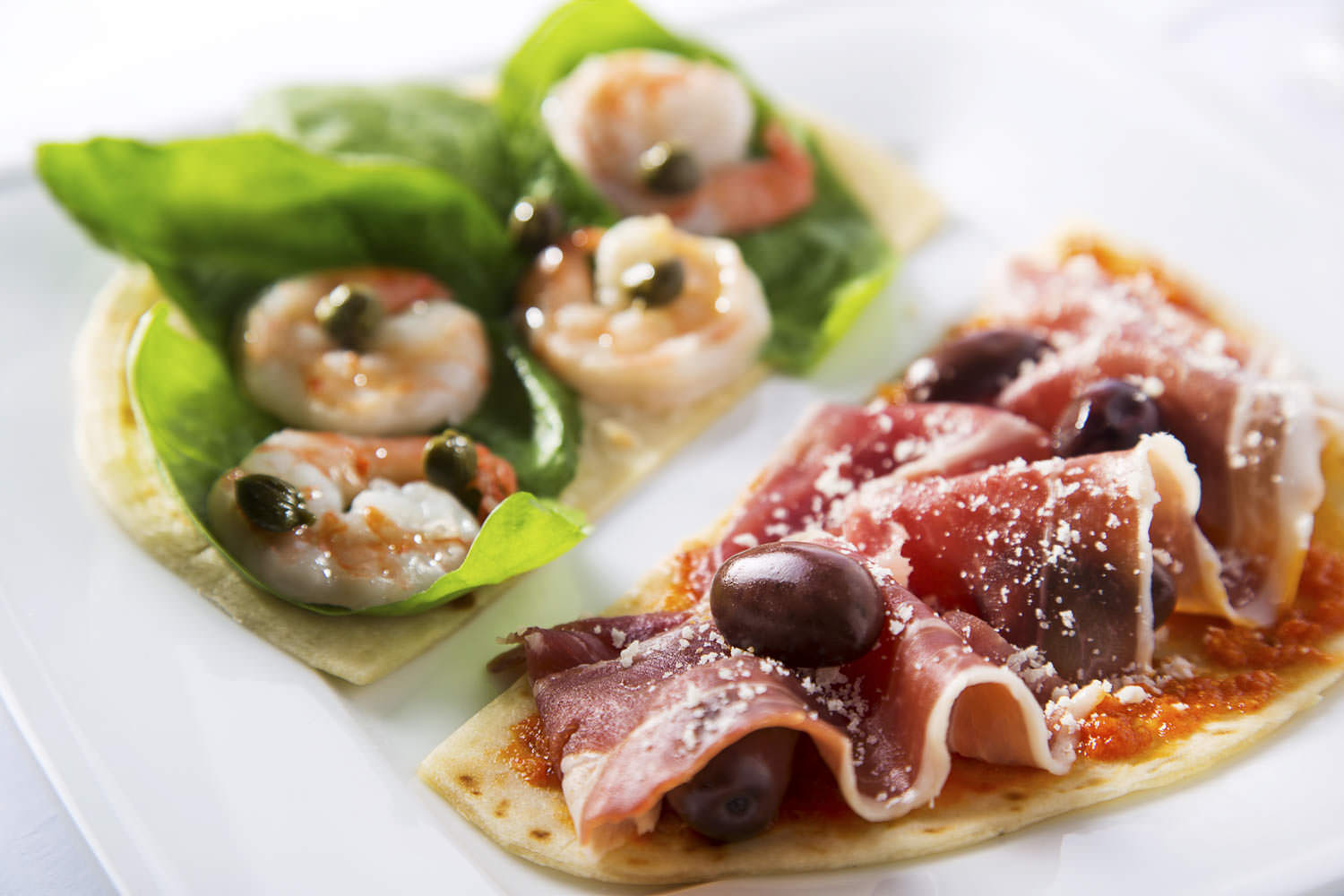 Pita bread pizza for a diet program | Ho Chi Minh Food Photography