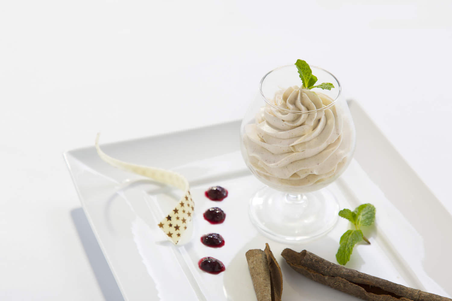 Star anise and cinnamon mousse with mulberry sauce in Hilton Opera Hanoi | Southeast Asia food photographer Francis Roux