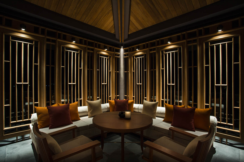 Luxury restaurant set up at the Amanoi Resort | Vietnam Resort Photography | Photographer Francis Roux Portfolio