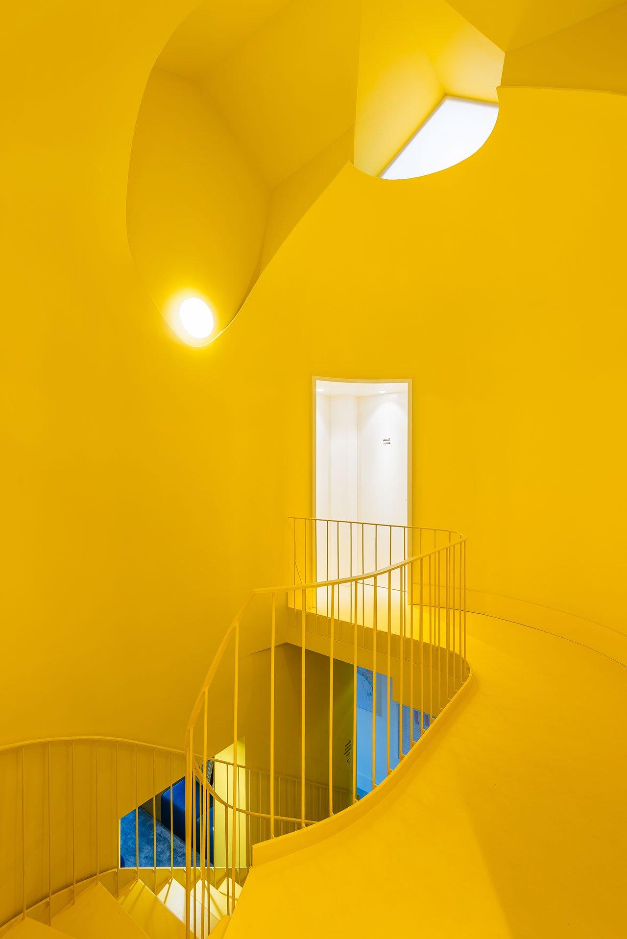 f3_hostel_in_parede_cascais_portugal_aurora_arquitectos_photo_do_mal_o_menos_yatzer.jpg