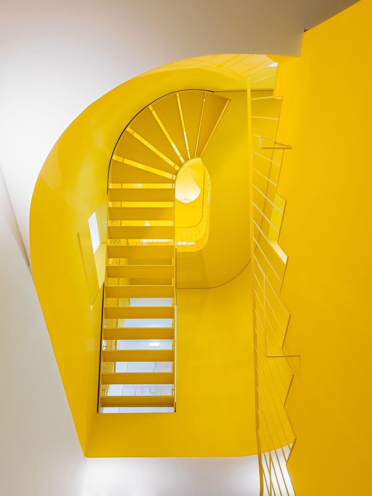 f9_hostel_in_parede_cascais_portugal_aurora_arquitectos_photo_do_mal_o_menos_yatzer.jpg