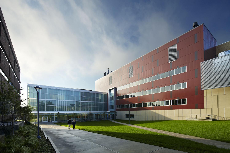 4698-emerging-technologies-innovation-center-5328.jpg