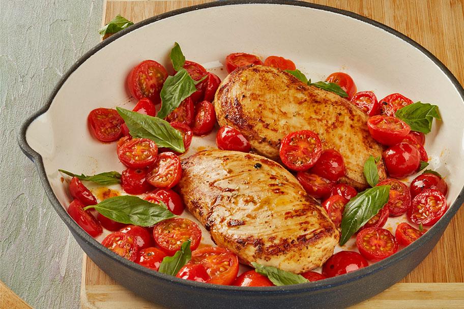 Pechuga de pollo sofrita en salsa de yogurt y mostaza con Aceite Gourmet® Familia