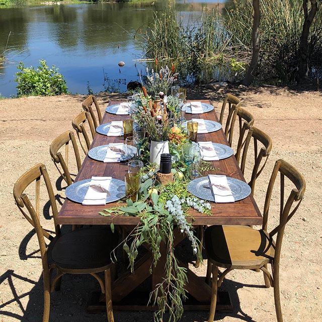 The Lake View house is such a gorgeous Venue.  Big thank you to  @tvpartyandeventrentals for the beautiful table design. We love working with you.  #temecula #fallbrook #venue #farmtable  #eventrentals #thelakehouse #tablescapes #rusticdecor #rusticwedding #wildwoodevents