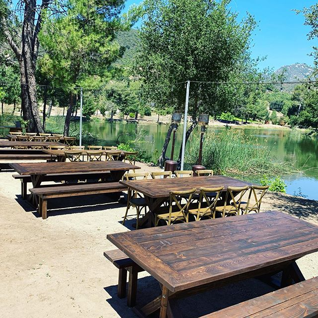 Farm Tables✔️ Crossback Chairs✔️ Benches✔️ VIEWS✔️ 😍