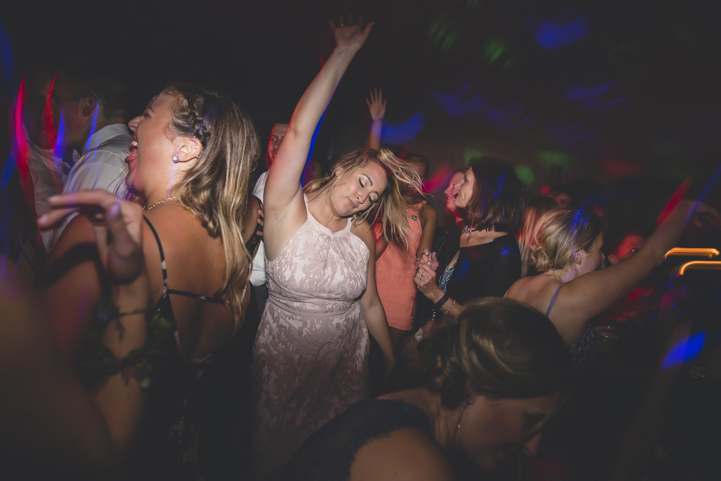 Minneapolis Minnesota Wedding Photographers-105.jpg