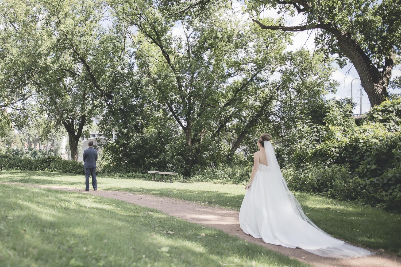 nicollet island pavillion minneapolis wedding-13.jpg