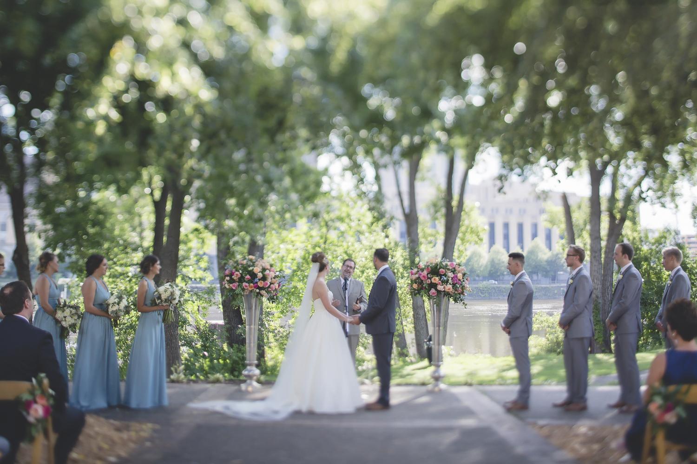 nicollet island pavillion minneapolis wedding-37.jpg
