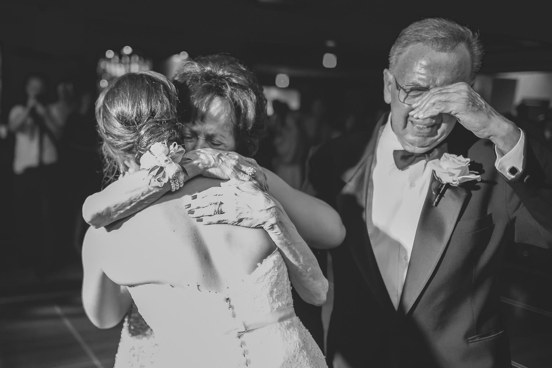 minneapolis wedding photographer-33.jpg