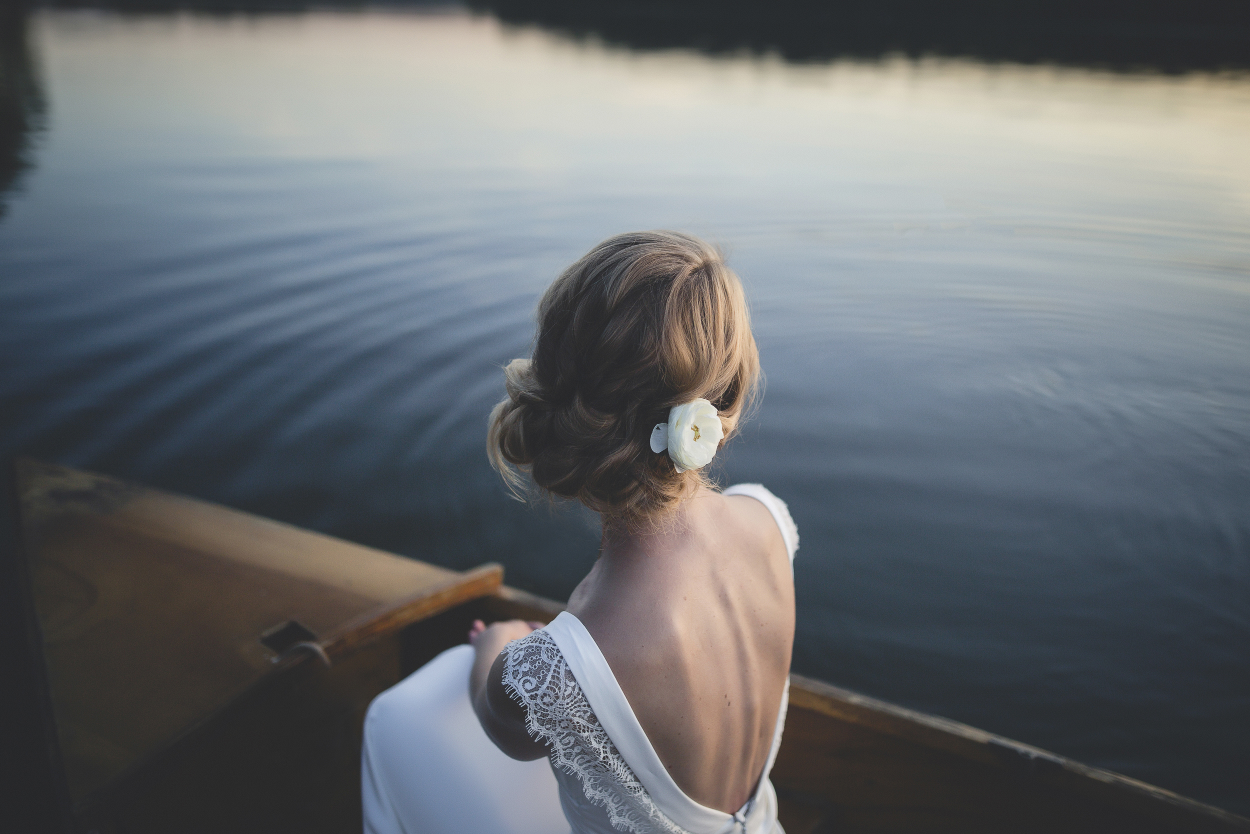 85 Minneapolis Northfield home backyard outdoor wedding lake canoe couple 4.jpg