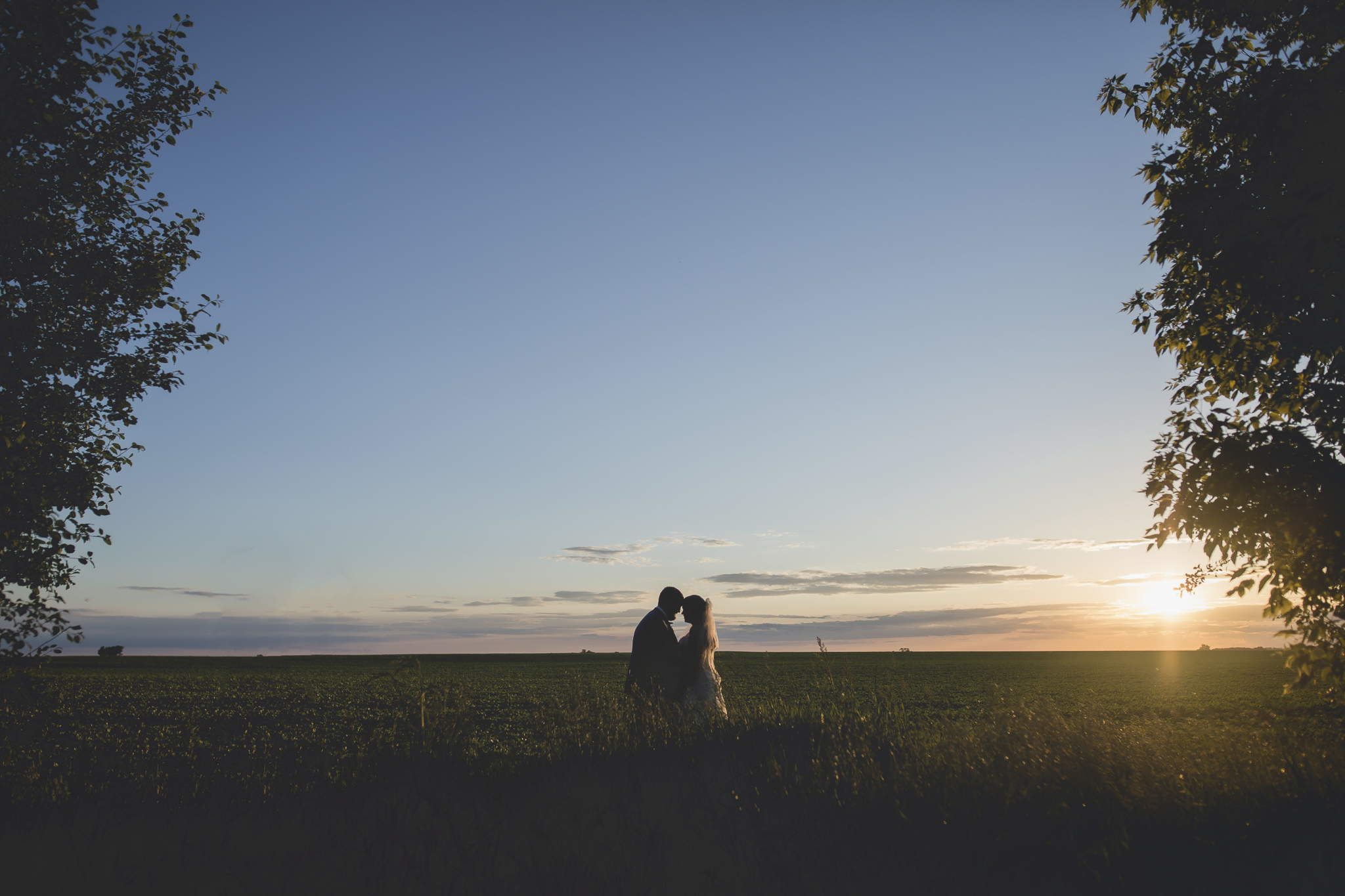 minnesota family farm outdoor wedding photographer-10.jpg