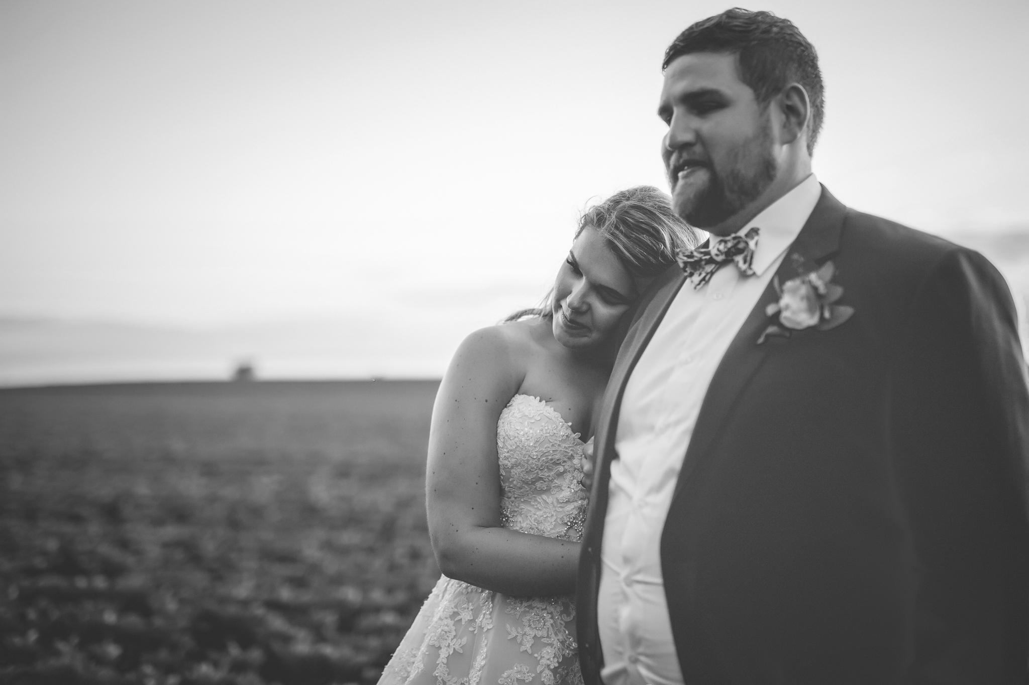 minnesota family farm outdoor wedding photographer-13.jpg