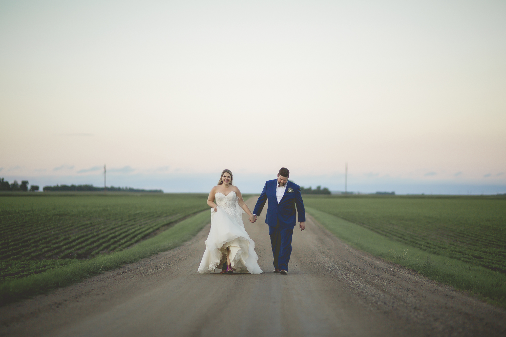 minnesota family farm outdoor wedding photographer-16.jpg