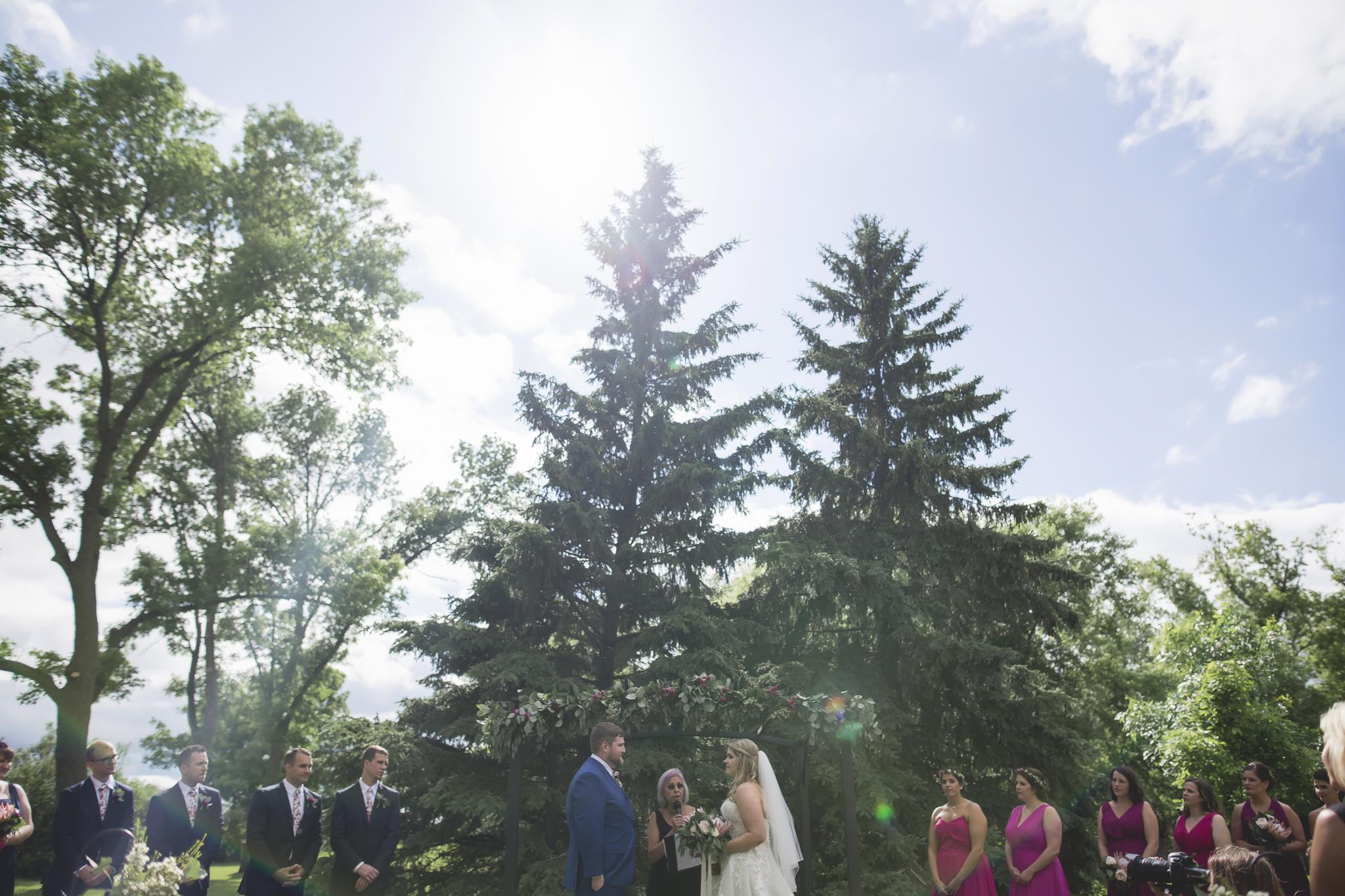 minnesota family farm outdoor wedding photographer-25.jpg