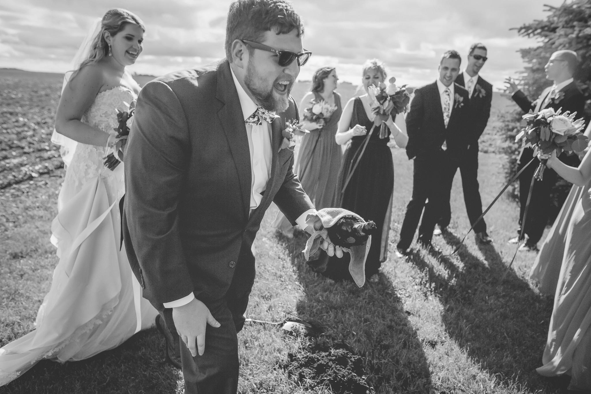 minnesota family farm outdoor wedding photographer-34.jpg