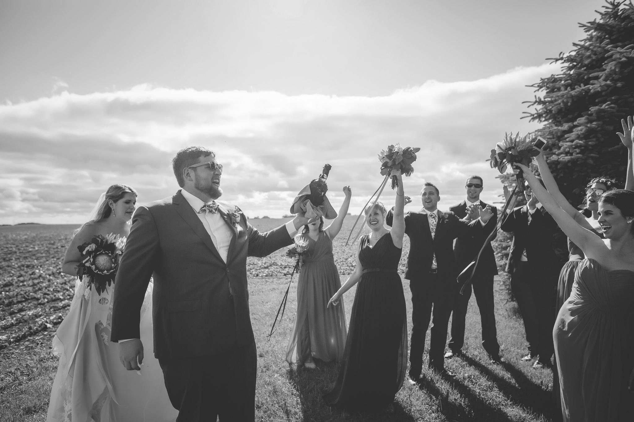 minnesota family farm outdoor wedding photographer-35.jpg