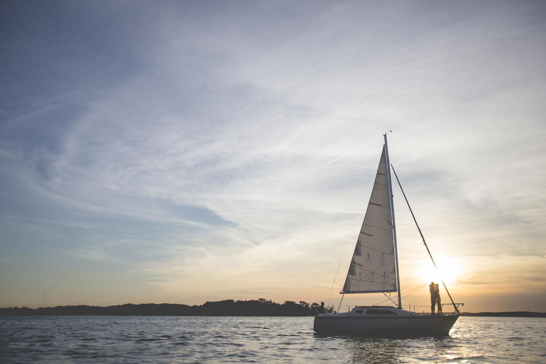 madison wisconsin sailing engagement session-5.jpg