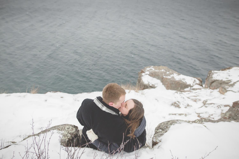 North Shore Duluth MN Palisade Head Engagement Photos-8.jpg