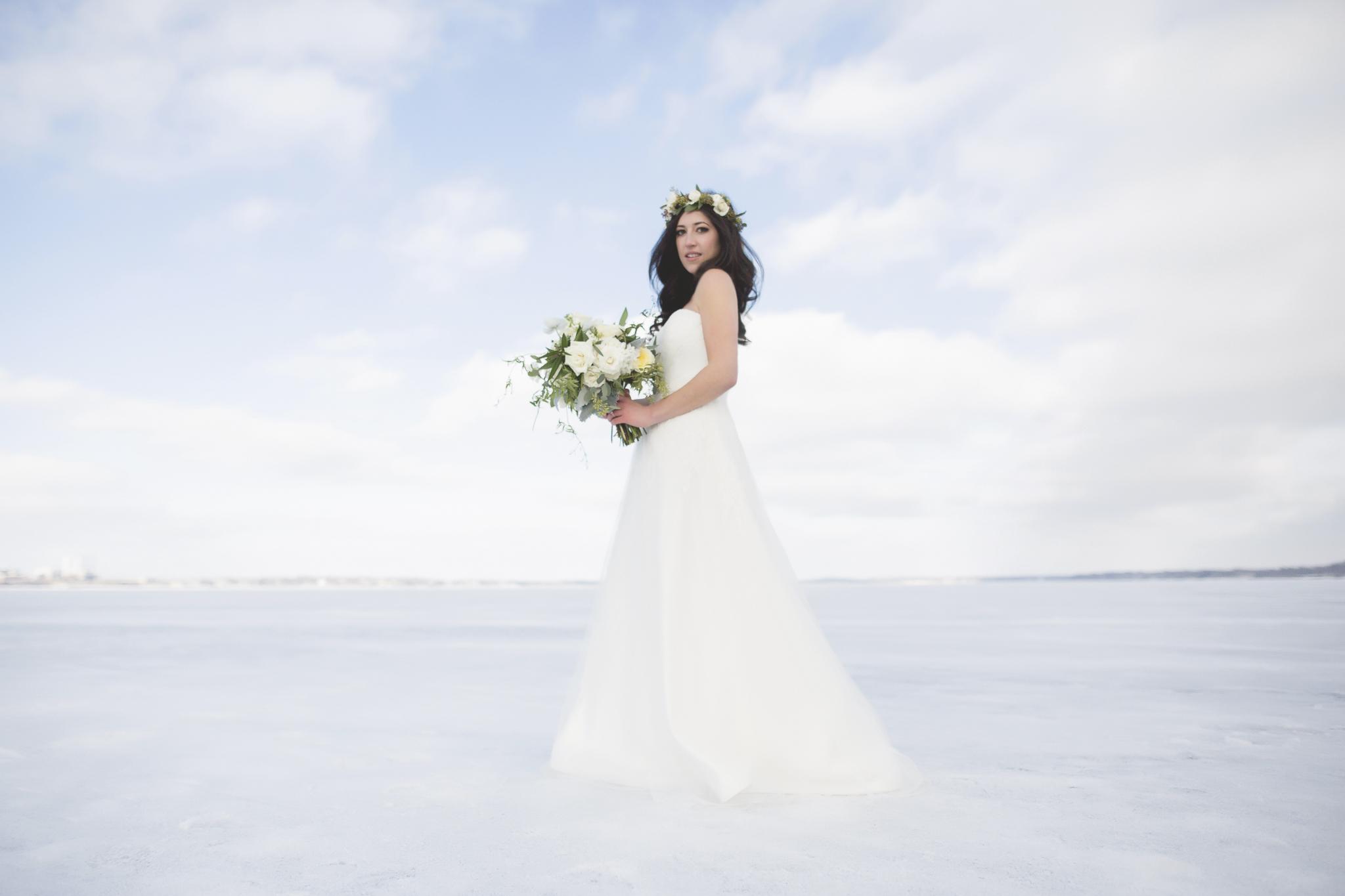 minneapolis winter wedding photographer-15.jpg