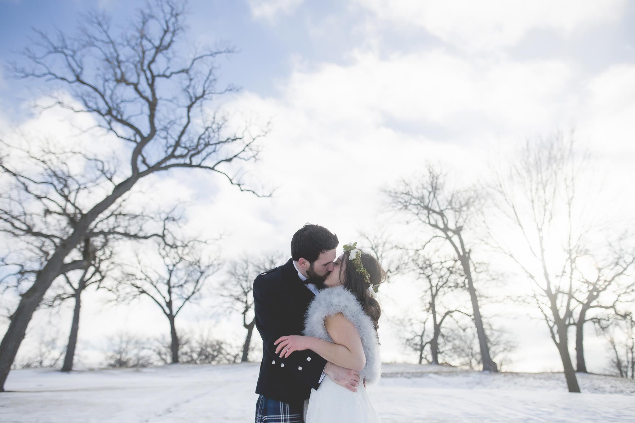 minneapolis winter wedding photographer-17.jpg
